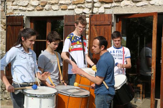 Battucada (percussions brésiliennes), découvre la force du rythme en groupe